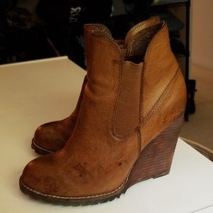 Very Volatile Shoes Volatile Size 8 Distressed Leather